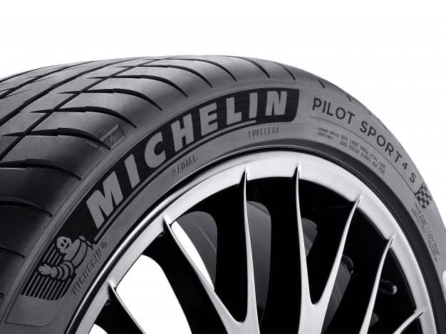 Lateral Michelin Pilot Sport 4 S