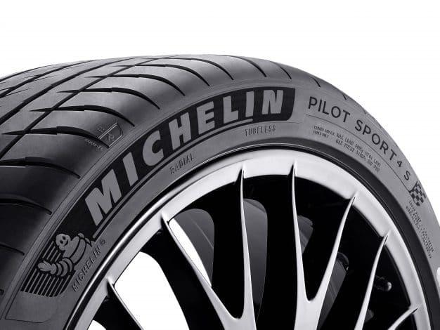 Lateral Michelin Pilot Sport 4 S