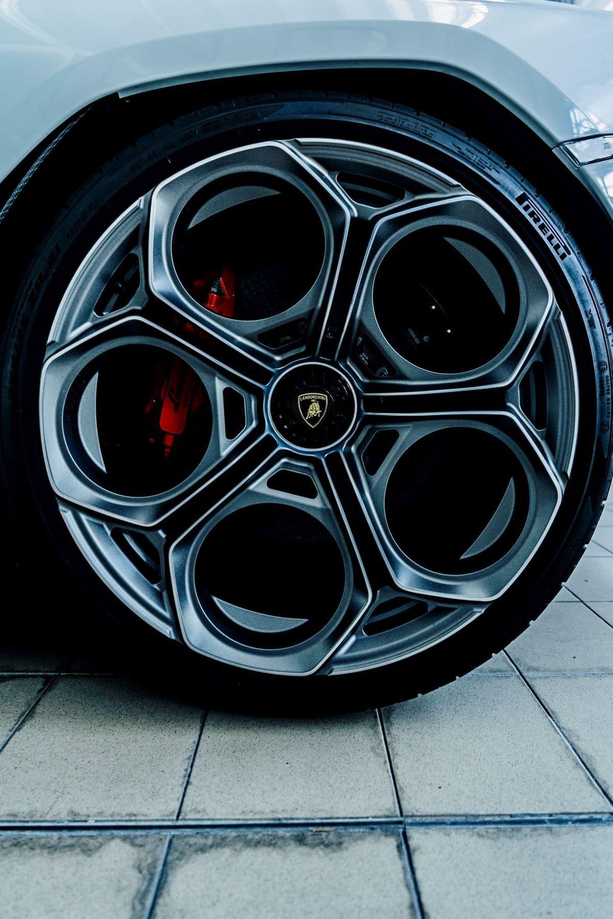 Pirelli & Lamborghini